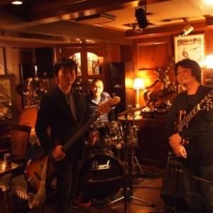 難波KENTにてNeaさん光田さんとのトリオライブでした。