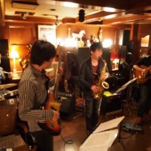 道頓堀Kentにて藤井さんNeaさん久家さんとライブでした。
