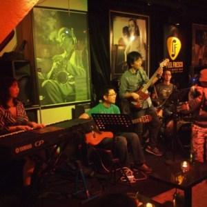 香港のライブハウスPeel Fresco(ピールフレスコ)にてライブとセッションでした。