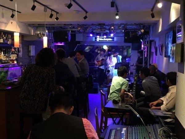 11月10日(木)本町のライブバーMrs.Dolphin(ミセスドルフィン)にてギタリストneaさんとジャムセッションホストです。