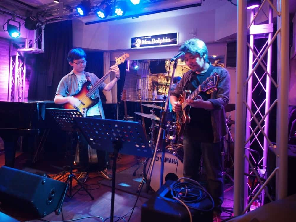 本町のライブバーMrs.Dolphin(ミセスドルフィン)にてギタリストneaさんとジャムセッションホストでした。