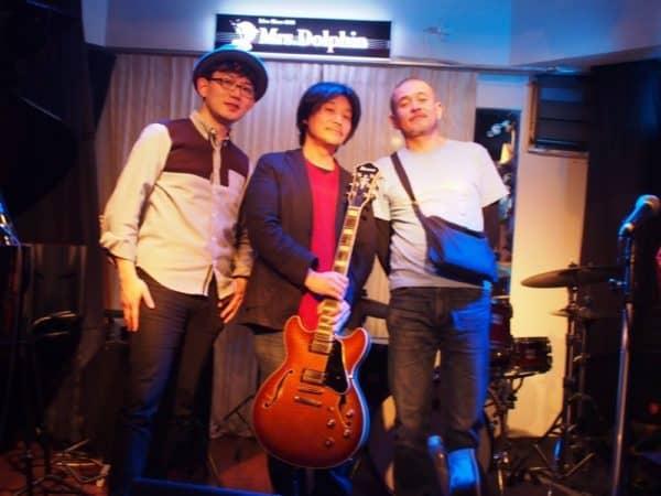 4月13日(木)本町のライブバーMrs.Dolphin(ミセスドルフィン)にてギタリストneaさんドラマー光田臣さんとジャムセッションホストです。